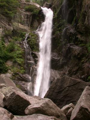 Am Wasserfall 2