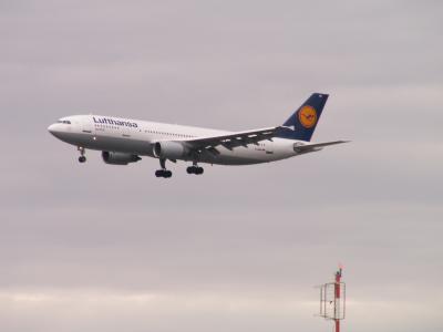 Flugzeug im Anflug auf Frankfurt