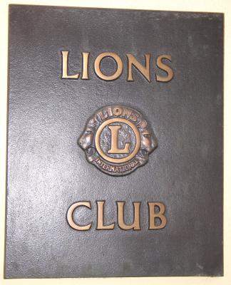 Signet des LIONS-Club...