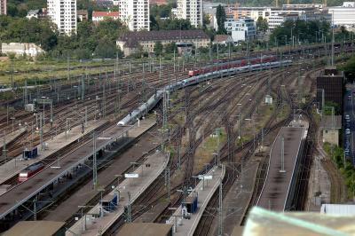 Einfahrt zum Stuttgarter Bahnhof