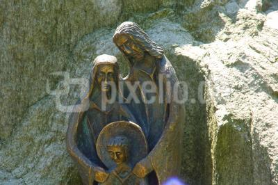 Heilige Familie auf dem Friedhof