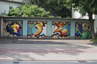 Graffiti auf Garagen