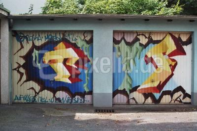 Graffiti auf Garage ...