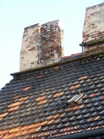 Berliner Dach mit Schornstein
