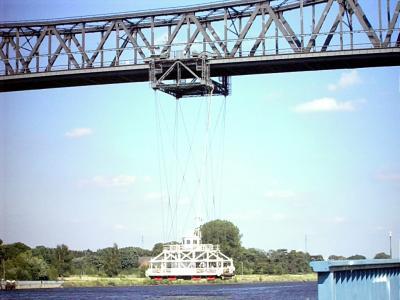 Schwebefähre unter der Rendsburger Eisenbahnbrücke