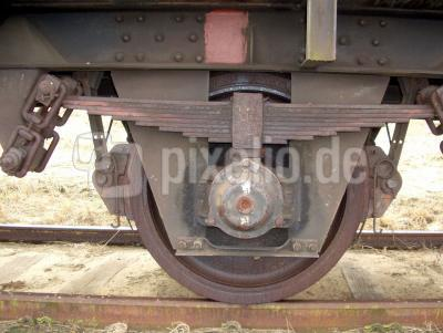Das Fahrgestell eines 50 Jahre  alten Zuges