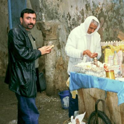 Ein Eierimbiss in der Altstadt  (Medina) von Tunis