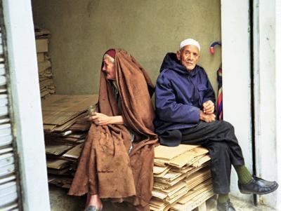 Ein altes Ehepaar in der Medina in Tunis