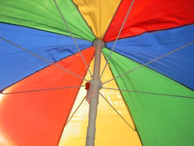 Unter dem Sonnenschirm