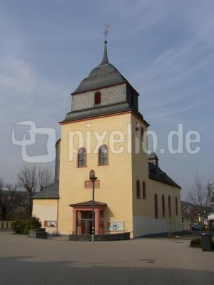 Kirche in Pluwig Frühjahr 2006