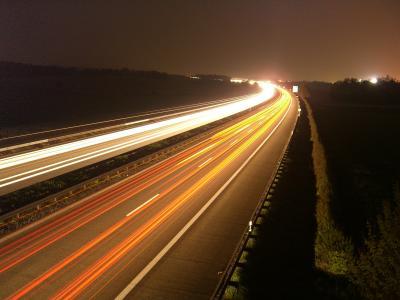 A81 bei Nacht