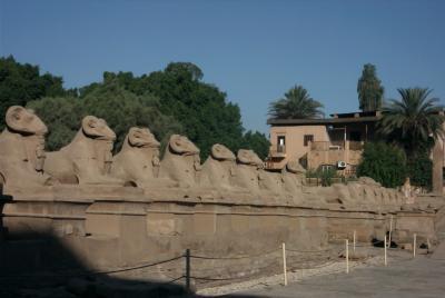 Anachronismus (Karnak_3)