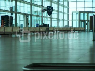 Flughafenhalle