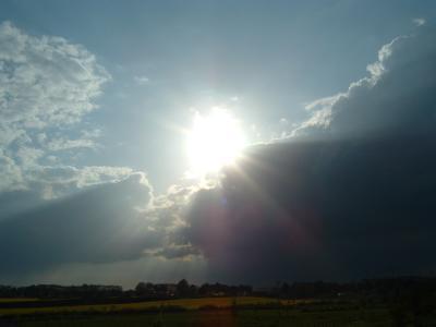 Wolken und Sonne 1
