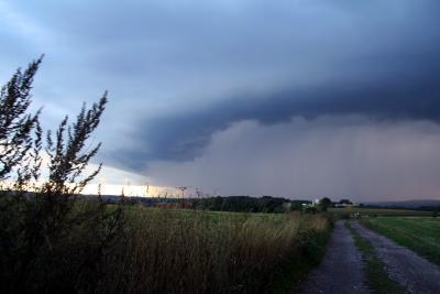 Gewitter im Vormarsch-Wolkenwalze