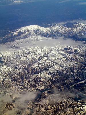 Gebirge in Japan aus dem Flugzeug