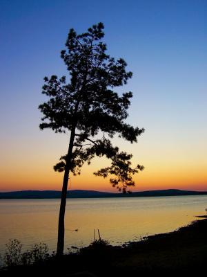 Sonnenuntergang am Stausee (5)