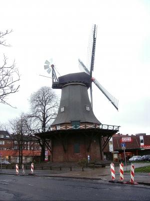 Wilhelmshaven Windmühle hinten seitlich