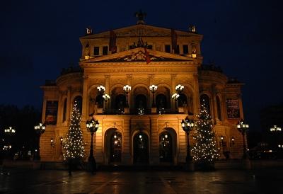 Frankfurter Alte Oper in Adventsstimmung