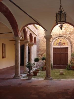 Ein  Innenhof in der Toscana