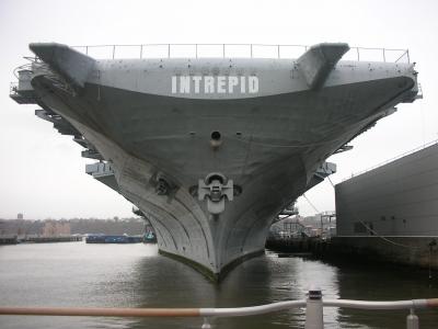 Flugzeugträger Intrepid 1