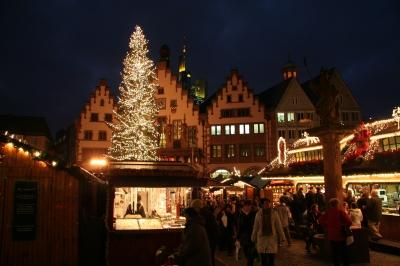 Weihnachtsmarkt auf dem Römerberg