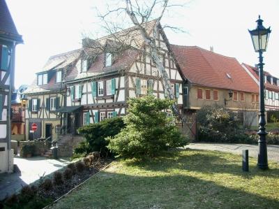 Kirchplatz mit Altstadt