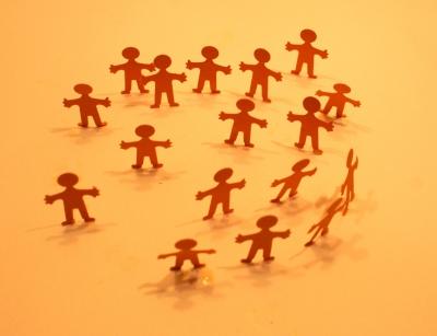 Menschenmenge orange