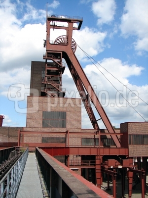 Förderturm Zeche Essen Zollverein