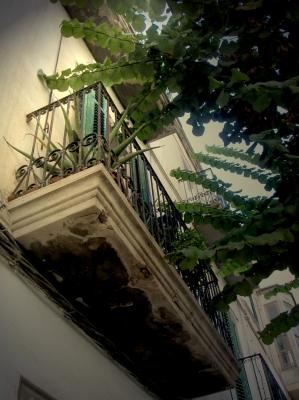 Baufälliger Balkon in Spanien