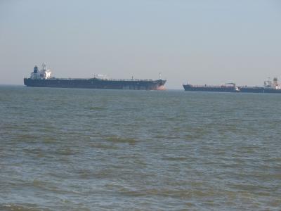 Schiffsverkehr auf der Jade