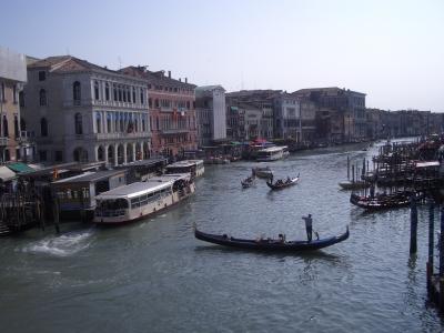 Blick von der Rialtobrücke auf den Canale Grande