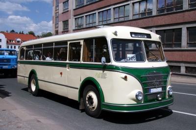 Grüner H6B Bus in Werdau