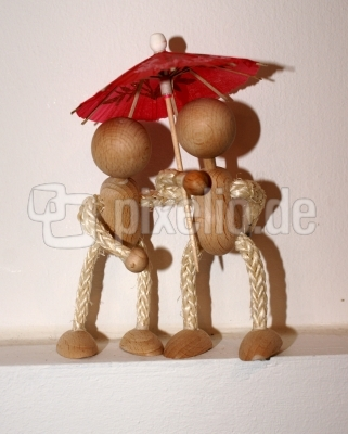 Holzmännchen im Regen