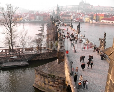 Karlsbrücke im Vorfrühling