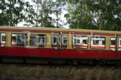 S-Bahn vs. IC