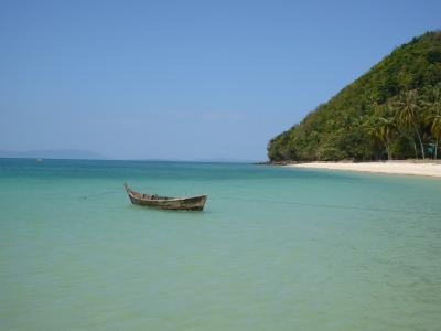Fischerboot auf Phi Phi Island / 2007 Jan.