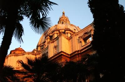 Peterskuppel im Morgenlicht