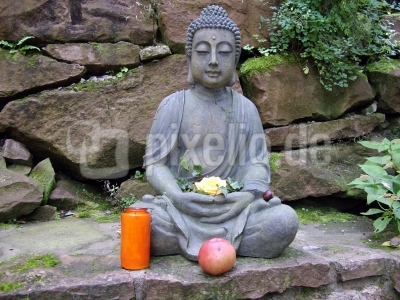 Benediktushof Holzkirchen kostenloses foto buddha im benediktushof holzkirchen pixelio de