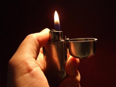 Feuer in der Hand