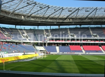 Hannover / AWD-Arena  - 2 -