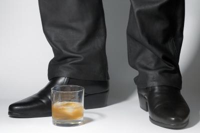 Gib mir den Drink!