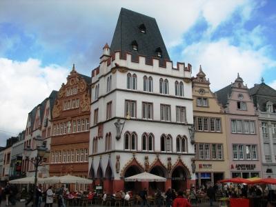 """Hauptmarkt  in Trier - """"Die Steipe"""""""