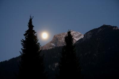 Mond am Hohen Göll