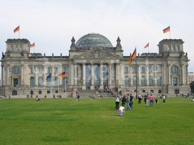 Reichstag beflaggt