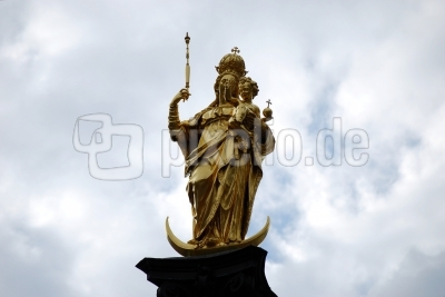 Statue auf der Mariensäule