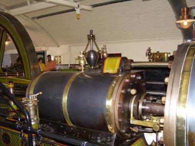 Der alte Dampfmaschinenantrieb der Tower-Bridge_2