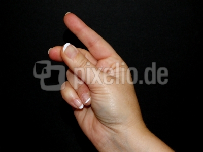 mit dem Finger schnippen