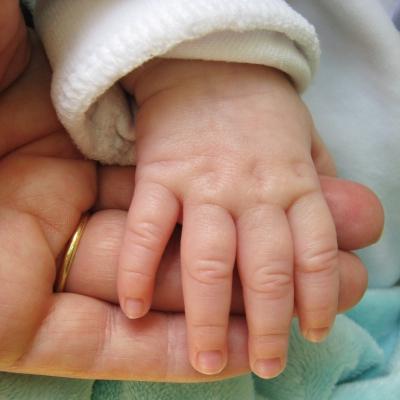 Hand in Hand / jung und alt