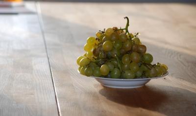 Ein Teller Trauben